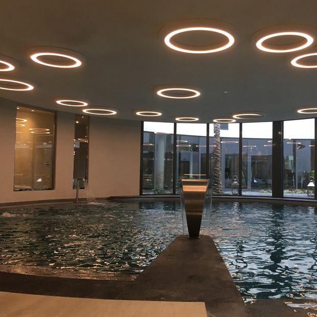 Atelier SEDAP éclairage piscine d'intérieur
