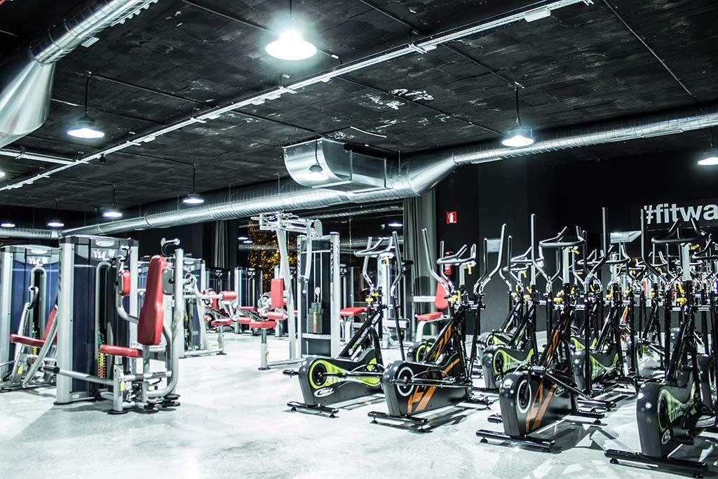 Réalisation éclairage Prilux salle de gym